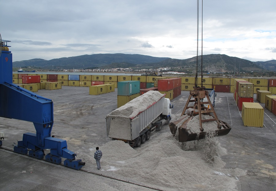 2013 Cottonseed loading at Volos